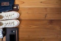 Обмундирование путешественника, студента, подростка, молодой женщины или парня Стоковая Фотография RF