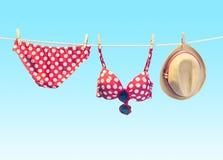 Обмундирование пляжа Установленные одежды лета Каникулы Стоковые Фото