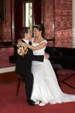 обнимать его супруги Стоковые Фото