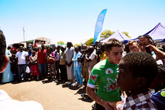 Обнимите мир задействуя на путешествии du Сенегале 2017 Стоковое фото RF