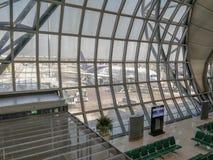 Обозите на зоне пассажира в авиапорте Suvarnabhumi стоковое изображение rf