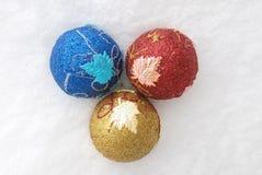 обозначает вал звездочкой сферы украшения голубого рождества темный Стоковая Фотография RF