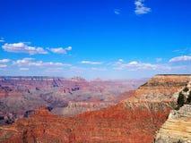 Обозревать гранд-каньон на солнечный день Стоковые Фотографии RF