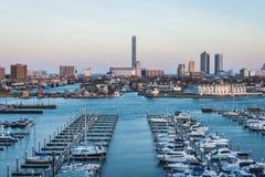 Обозревая гавань Марины положения в Атлантик-Сити, Нью-Джерси на стоковое изображение