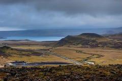 Обозревая геотермическое поле в Исландии стоковые изображения rf