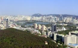 Обозревая город xiamen на huweishan холме, самане rgb Стоковые Фото