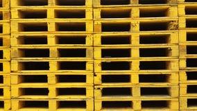 Обои предпосылки стогов паллетов Стоковая Фотография RF