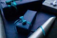Оборачивать профессионального подарка handmade для людей Стоковое фото RF