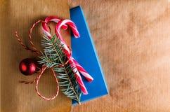 Оборачивать рождества или Нового Года присутствующий Стоковое Изображение RF