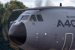 Оборона аэробуса аэробуса воинская и войска атласа 4 космоса A400M engined большие транспортируют воздушные судн F-WWMZ стоковое изображение