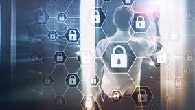 Оборона уединения Cybersecurity, информации, защиты данных, вируса и spyware стоковые фотографии rf