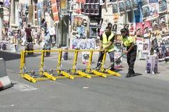 Оборудование для защиты пешеходов от терактов в Авиньоне, Франции стоковые фото