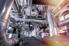 Оборудование, кабели и тубопровод как найдено внутри современного industr Стоковое Фото