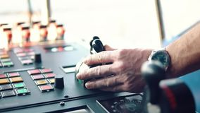 Оборудование корабля моста оффшорного сосуда dp сток-видео
