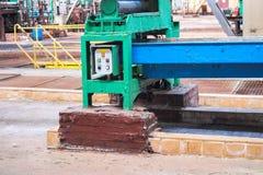 Оборудование красивого металла промышленное сильное производственной линии на химическом заводе машиностроительной переработки не стоковые изображения