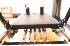 Оборудование реформатора Pilates стоковое изображение