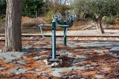 Оборудование фитнеса на улице стоковое изображение rf