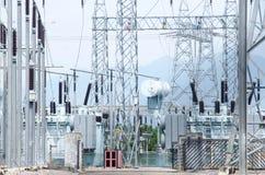 Оборудование, кабели и тубопровод как найдено внутри промышленной силы Стоковые Фото