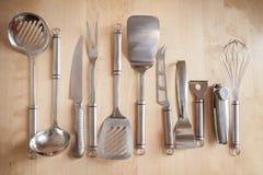 Оборудование кухни на таблице Стоковое Фото