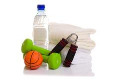 Оборудование фитнеса на белизне Стоковая Фотография