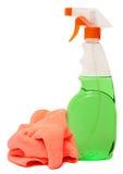 Оборудование чистки изолированное на белой предпосылке покрашенные пластичные бутылки с тензидом Стрельба студии Стоковое Изображение RF