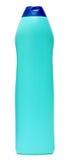 Оборудование чистки покрашенные пластичные бутылки с тензидом на белой предпосылке Стоковое Изображение