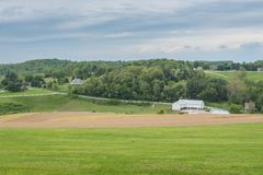 Обрабатываемая земля окружая парк Вильяма Kain в York County, Pennsylva стоковое изображение