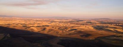 Обрабатываемая земля штата Вашингтона области Rolling Hills Palouse восточная Стоковое Изображение RF