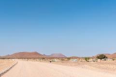Обрабатывайте землю ландшафт на C43-road, между Palmwag и Khorixas Стоковые Фотографии RF