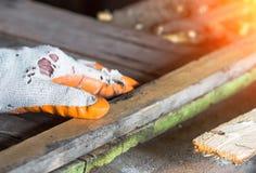 Обрабатывать деревянных доск joinery стоковые фото