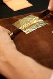 Обрабатывать листового золота стоковые фотографии rf