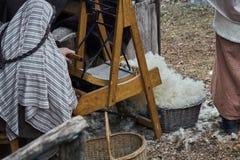 Обрабатывать чесать шерстей стоковое фото rf