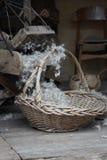 Обрабатывать шерстей вручную стоковое изображение