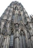 Обработанный наряду с одной из 2 башен собора Кёльна в Германии Стоковое Фото