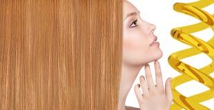 Обработка волос терапией масла в спирали Стоковые Изображения RF