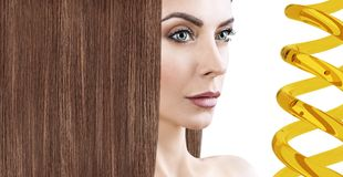 Обработка волос терапией масла в спирали Стоковое Изображение