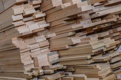 обработка древесины Работа Joinery Деревянная мебель Деревянный конструкционный материал тимберса для предпосылки и текстуры prod стоковая фотография