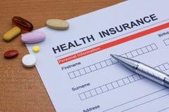 Обработка документов медицинской страховки, медицина, стетоскоп Insura здоровья Стоковое фото RF