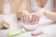 обработка спы руки Стоковая Фотография RF