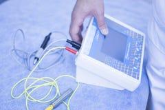 Обработка acupunture Electroacupunture Стоковое Изображение