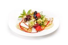 Образец блюда на ресторане - салат выходит, филе цыпленка, stra Стоковое Изображение RF