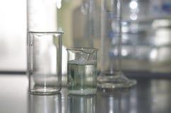 Образец воды в стеклянной лампе Стоковое Изображение RF