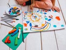 Образование детей молодого художника предыдущее стоковые изображения