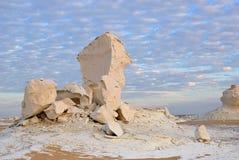 Образование известняка в белой пустыне Сахаре Египте стоковые изображения