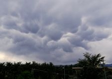 Образование облаков ondulatus mammatus Asperatus стоковая фотография rf