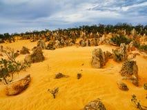 Образования известковой скалы башенк, западная Австралия стоковое изображение rf