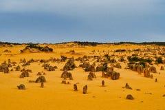 Образования известковой скалы башенк, западная Австралия стоковые фотографии rf