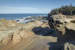 Образования песчаника на акрах парке штата берега, Орегоне Стоковое Фото