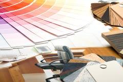образцы материалов направляющего выступа цвета каталога стоковые фотографии rf