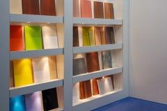 Образцы мебели противостоят на мастерской мебели sdente Стоковые Изображения
